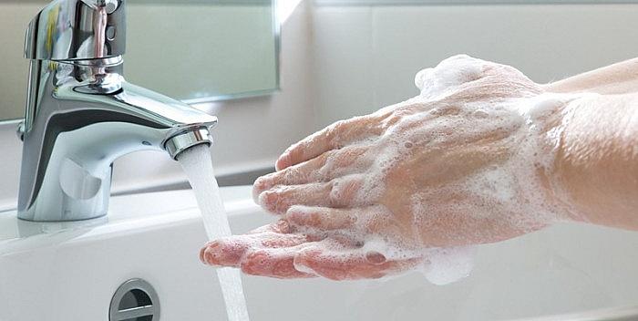 МЗ: Само маска, дистанца и миење раце се мерки кои може да го стопираат ширењето на вирусот
