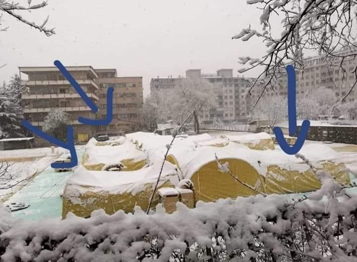 ШИЛЕГОВ СЕ ФАЛЕШЕ ВЧЕРА СО СВЕТСКИ СТАНДАРДИ?: Вака утрово изгледаат болничките шатори до Инфективна