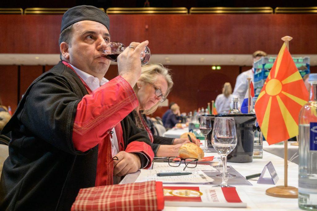 НАШИТЕ ВО СВЕТОТ: Даниел Глигоров во Германија ја раскажува приказната за македонското вино