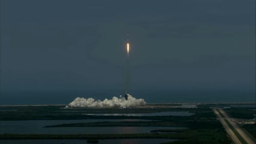 Астронаути на НАСА на пат кон Меѓународната вселенска станица (видео)