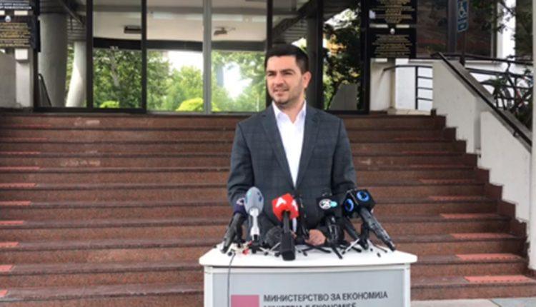 Министерот Бектеши објави дека е позитивен на корона вирусот