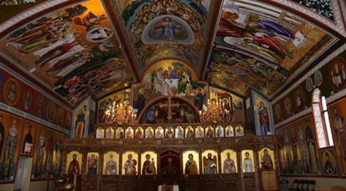 КАЛЕНДАР НА МПЦ: Денеска е Спомен од појавувањето на чесниот крст во Ерусалим