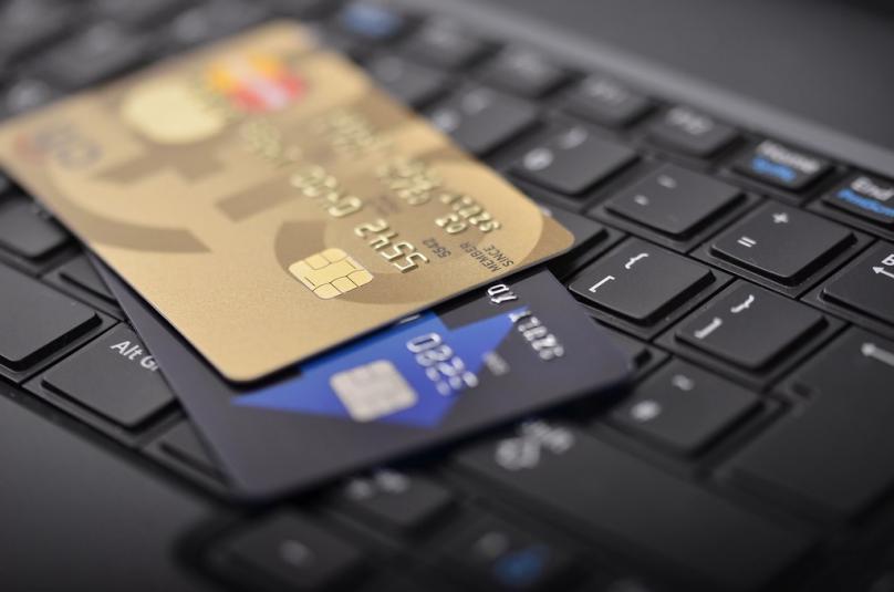 ВЛАДА: Домашната платежна картичка на среќните добитници ќе им се издава преку 9 банки