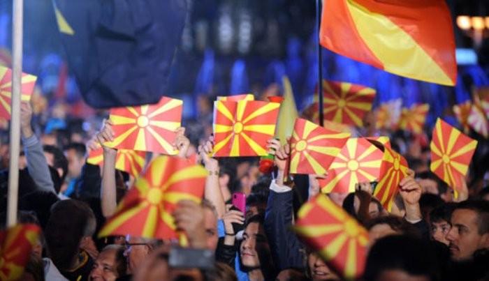 ИЗБОРНИ ВЕТУВАЊА: Од Мицкоски Македонија со невработеност под 10 отсто и 25 отсто повисока плата, а од Заев 600 милиони евра за компаниите