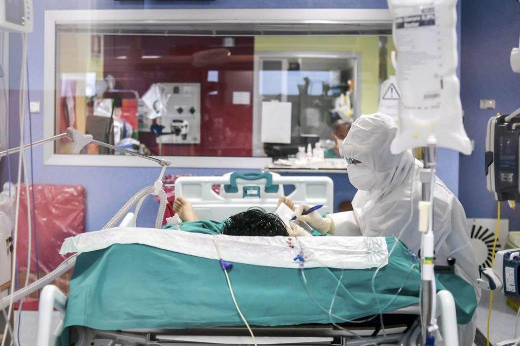 ЛЕТЕН БРАН НА КОВИД-19: Македонија со 306 починати и 6.454 заразени од 61.737 тестирани