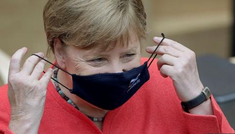 МЕРКЕЛ: Коронавирусот сега се шири побрзо отколку на почетокот на пандемијата