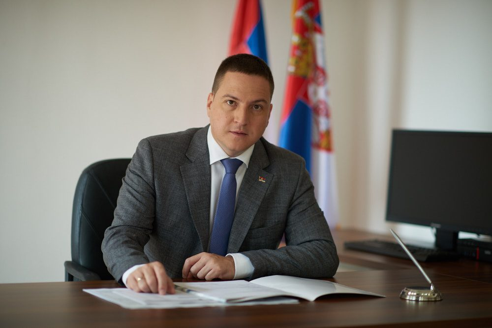 Србија: Позитивен на Ковид-19 и министерот за државна администрација Бранко Ружиќ