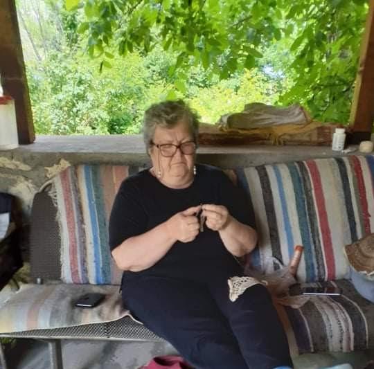 ИСКОРИСТЕНО ВРЕМЕ ВО КОРОНАКРИЗАТА: На полицискиот час Драгица Димовска си сплете завеса