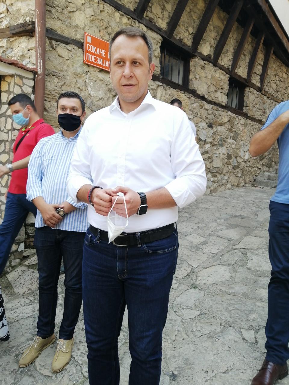ЈАНУШЕВ: Борба за враќање на гордоста на Македонецот и за националното достоинство