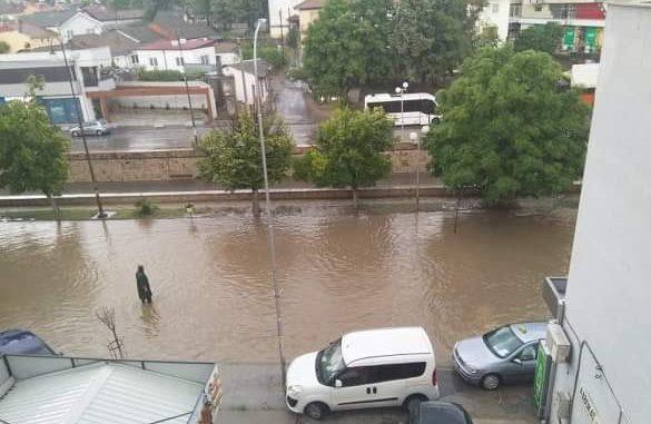 Невреме во Неготино, дел од улиците поплавени
