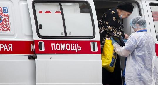 Во Русија од почетокот на пандемијата од Ковид-19 починале над 10.000 лица