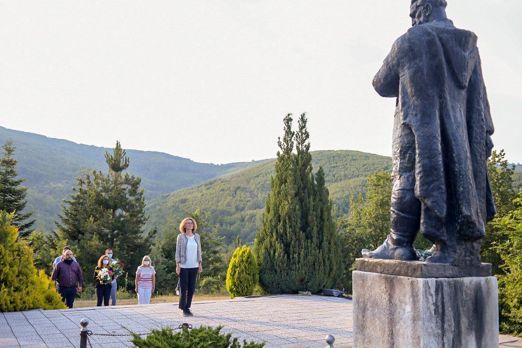 ШЕКЕРИНСКА: Во Смилево се поклонив пред споменикот на социјалдемократот Даме Груев