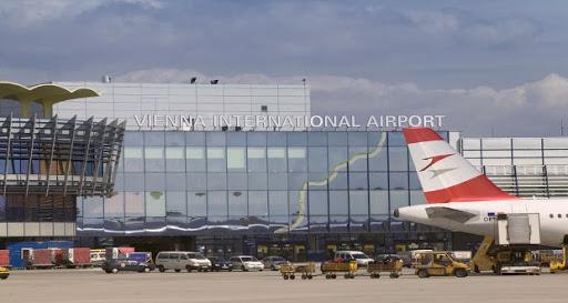 АВСТРИЈА ГО ЗАТВОРА И НЕБОТО: Од четврток забрана за слетување и на авионите од З. Балкан