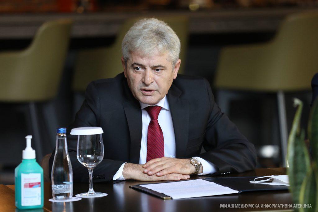 АХМЕТИ РАЗОЧАРАН: Жалам за пропадната средба со лидерите на албанските партии, а со СДСМ се уште немаме договор