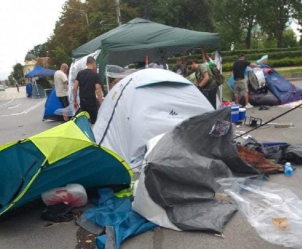 ПРОТЕСТИ ВО БУГАРИЈА: Полицијата ги урна шаторите во Софија и уапси 12 демонстранти