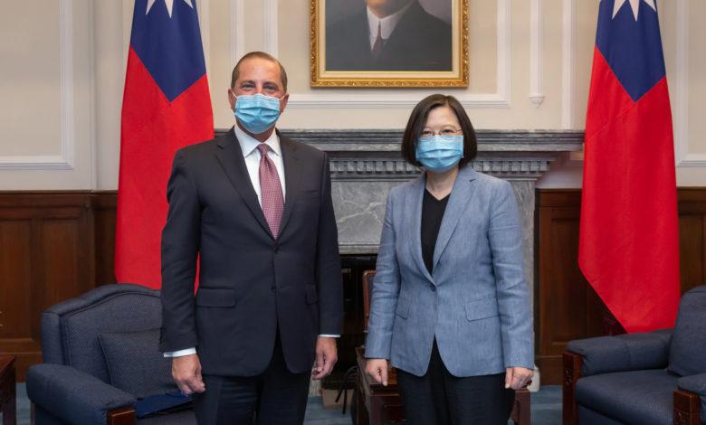 Американскиот министер за здравство во посета на Тајван, прва посета на претставник на САД од 1979 година