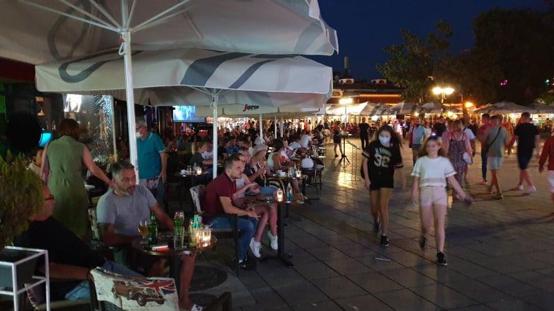 КОРОНА ТУРИЗАМ: Охрид врие од гости во шпицот од сезоната, проработија и ваучерите