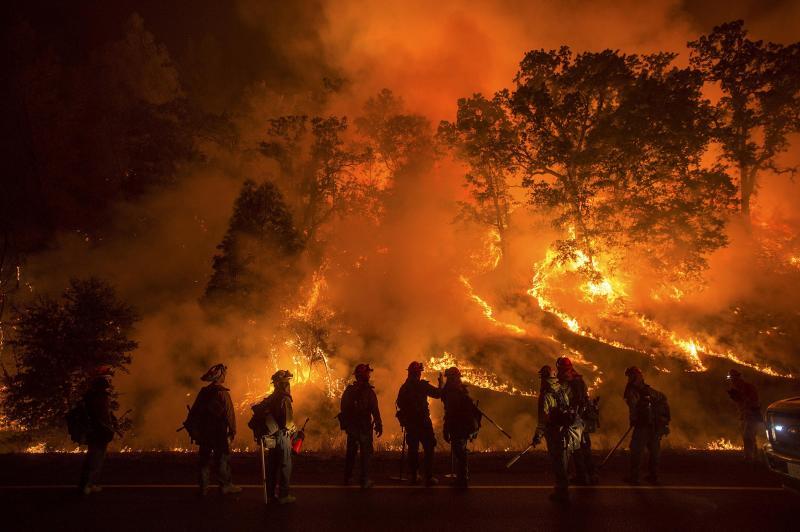 ГОЛЕМ ПОЖАР ВО ШПАНИЈА: Евакуирани жителите од околината на Мадрид