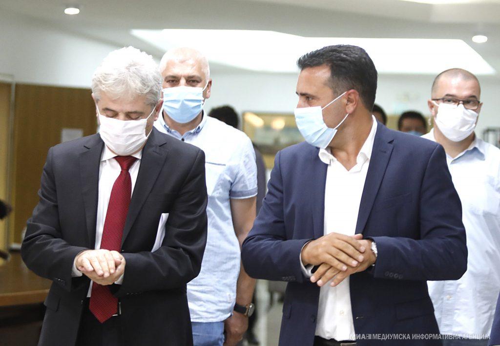 СОБРАНИЕ: На Заев му преставувало чест оти сами си го блокираа Парламентот и сами си изгласаа доверба на Владата