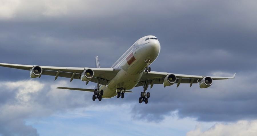 Полска: Прекинат воздушниот сообраќај со Франција поради Ковид-19