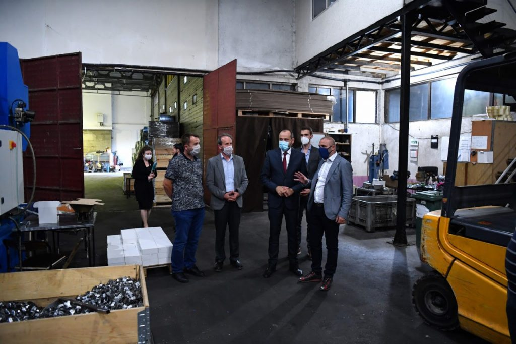 БИТИЌИ: Владата се грижи за сите компании на целата територија на С. Македонија