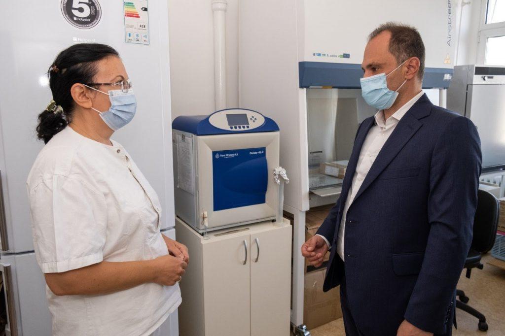 ФИЛИПЧЕ: Лабораторијата на ИЈЗ го положи тестот за компетентност во тестирање на Ковид-19