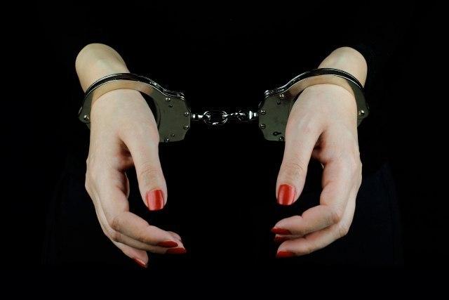 МВР: Уапсена 26-годишна кичевчанка во чиј дом била пронајдена дрога
