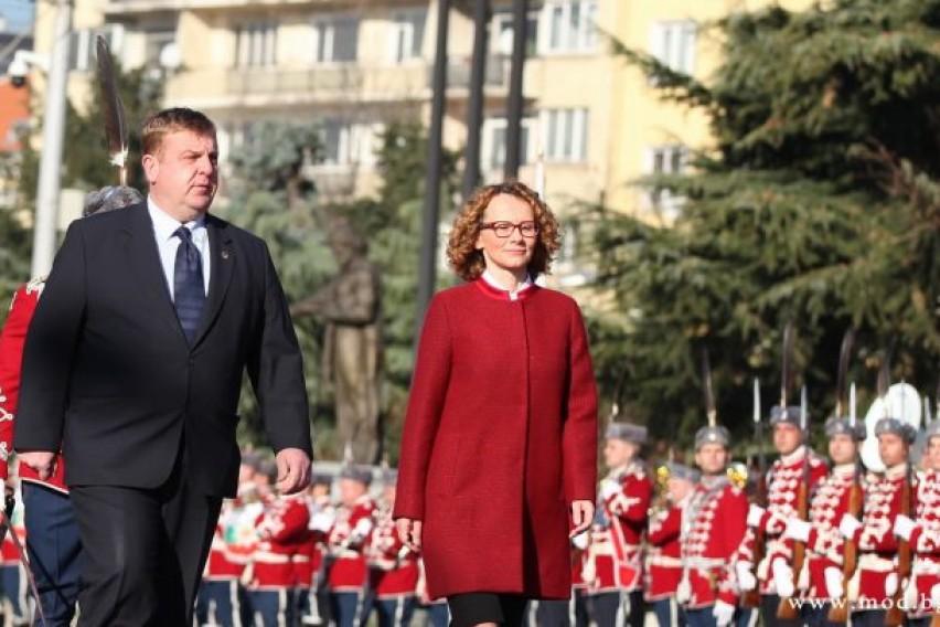(видео) КАРАКАЧАНОВ: Ќе испратам бугарски инженериски полк да ги урне спомениците во Скопје