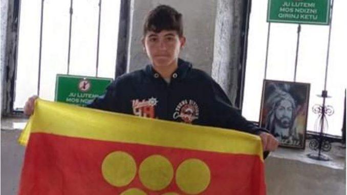 МЛАД ПЛАНИНАР ОСВОЈУВА ВРВОВИ: Ване Бошев (13)по втор пат и во невреме го искачи Мали Томор во Албанија