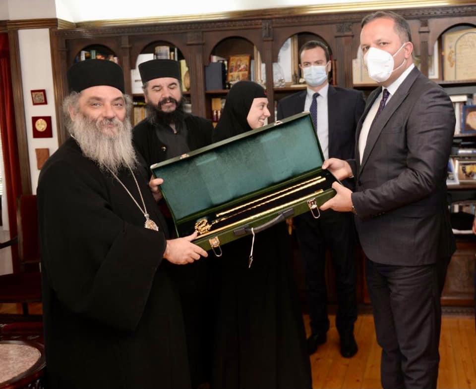 СПАСОВСКИ: Од игуменот на Бигорски одликуван сум со oрден Претеча за посебни заслуги за манастирот