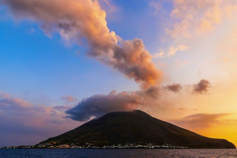 Острови во јужна Италија: За нив се вели дека имаат магични еротско-романтични сили