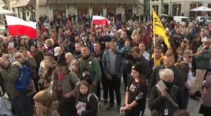 Полска: Големи протести поради строгите мерки за коронавирус