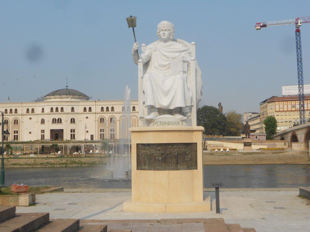 НА ДЕНЕШЕН ДЕН: Умрел Јустинијан Први, роден кај Скупи, градител на црквата Св. Софија, која потоа ја претвориле во џамија, па Ататрурк ја прогласил за музеј, а од неодамна пак е џамија
