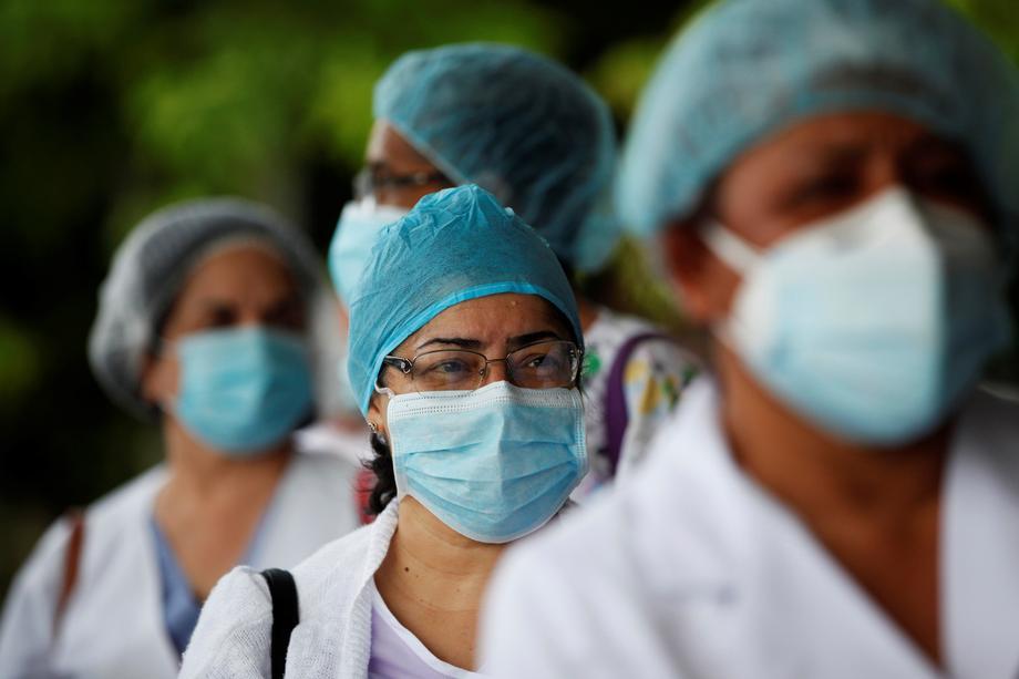 На улиците на Мадрид протестираа 4.000 здравствени работници