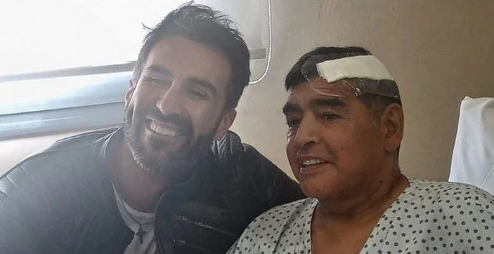 Личнот лекар на Марадона обвинет за смртта на фудбалската легенда