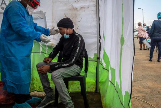 СЗО: Се интензивира и забрзува третиот бран на пандемијата во Африка