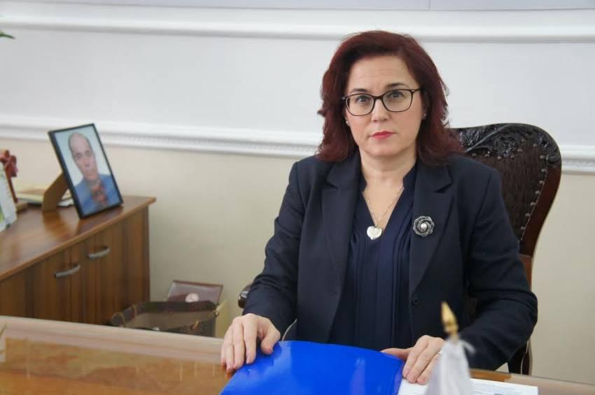 Градоначалничката на Битола, Петровска, позитивна на САРС КОВ 2