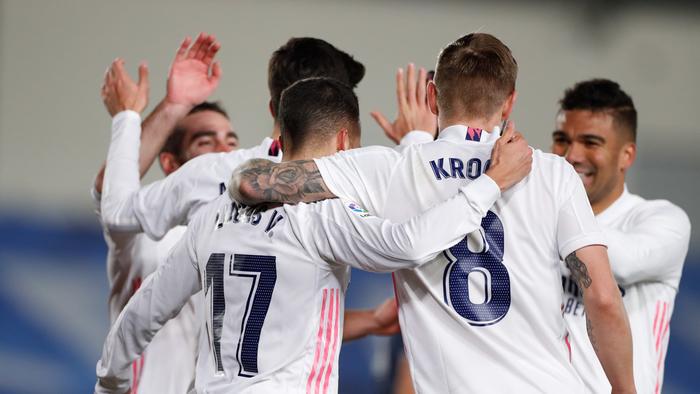 Завеани во снег: Реал не доаѓа во Мадрид, лета за Малага на натпреварот од Суперкупот