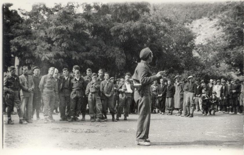 АЧКОВСКА ЗА ПЕТРЕ ПИРУЗЕ СО ЧИЕ БРИШЕЊЕ СЕ ПОФАЛИ ШИЛЕГОВ: Македонскиот Панчо Вила паѓа во немилост во 1945 зашто зборува за обединување на Македонија!