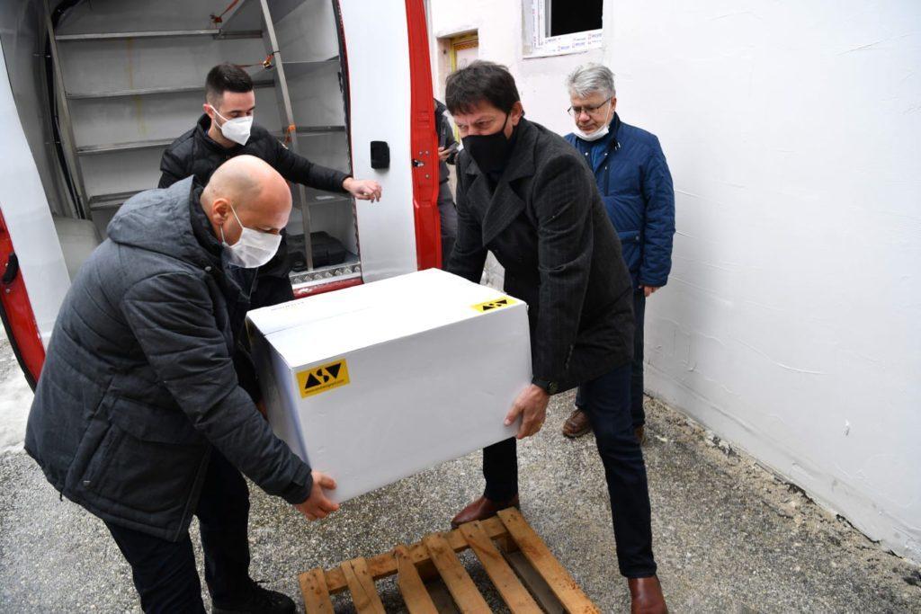 Албанија доби нови 8 000 вакцини директно од Фајзер, Филипче утре пак ќе пречекува пакетче од Србија