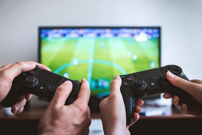 Истражување: Просечниот гејмер има над 30 години и е татко на три деца, но и жените се повеќе време посветуваат на видеоигрите