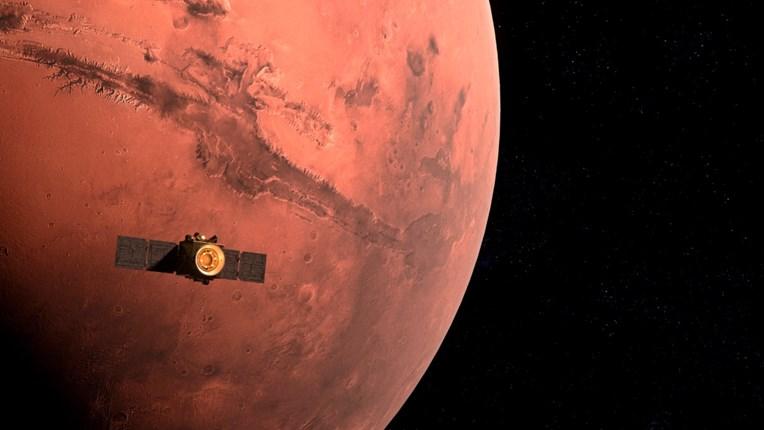 Црвената планета: Кинескиот вселенски брод влезе во орбитата на Марс