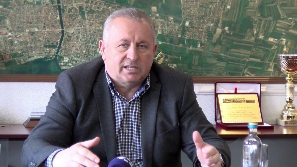 """""""ПОДДРШКА"""" ЗА УГОСТИТЕЛИТЕ: Градоначалникот Мерко потрошил 27.500 општински евра за ручеци и пијачки"""
