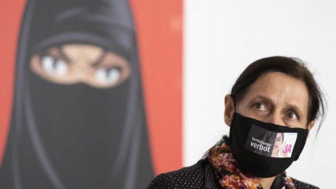 РЕФЕРЕНДУМ ВО ШВАЈЦАРИЈА: Се забранува жените да носат бурки и никаб на јавни места