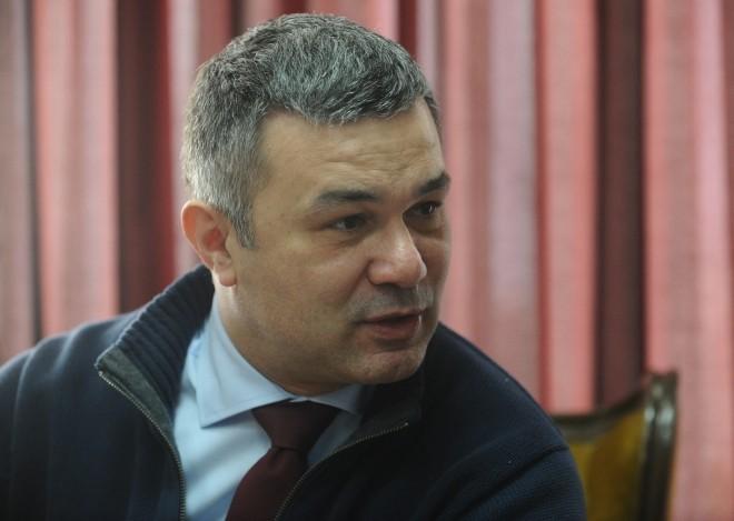 Почина македонскиот професор д-р Александар Стојчев