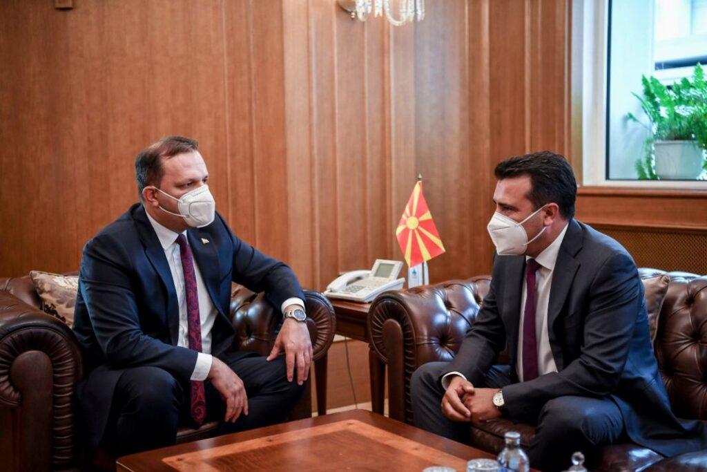 ВМРО-ДПМНЕ: Братучедот на Оливер Спасовски кандидат за градоначалник на Куманово, а бизнис-партнерот на Вице Заев за Битола