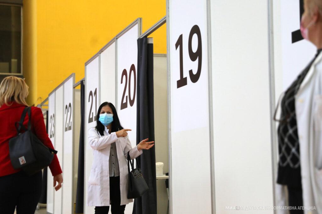 БАВНА ИМУНИЗАЦИЈА ПРОТИВ КОВИД: Досега со две дози се вакцинирани вкупно 293.139 граѓани