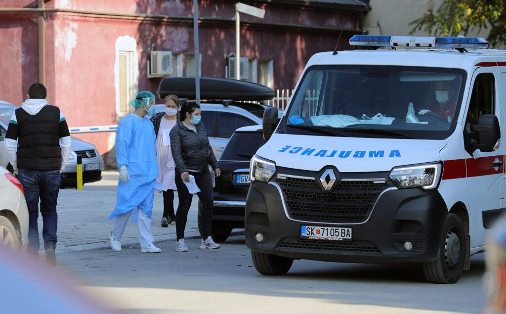ДЕНЕШЕН КОВИД БИЛТЕН: Едно лице починато, 18 новозаразени од 2.411 тестирања, а шест општини во Македонија без ниту еден случај