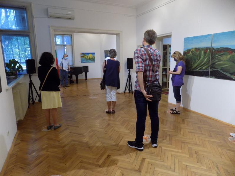 Изложба: Македонски уметници денеска се претставуваат во бугарскиот град Созопол