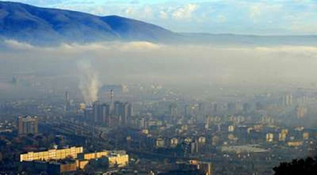 Енормно загадување во Скопје, но и во Лазарополе на 35 степени
